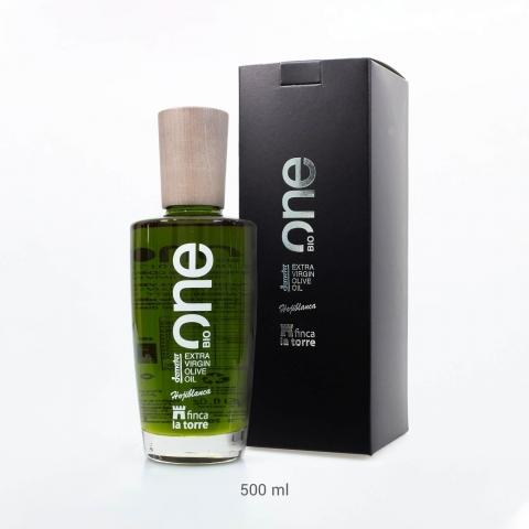 One. Olive oil Finca la Torre